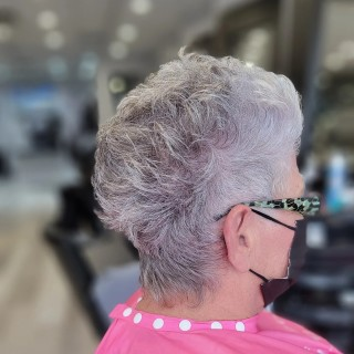 Absolutely gorgeous  . . . #d2e #d2ehairboutique #bia #hairgoals #hair #hairporn #instahair #haircut #hairartist #haircolor #colorbar #color #veganhaircare #sustainable #consciousbeauty #ecofriendly #pink #picoftheday #pixiecut #shorthair #shorthairstyle #sexy #silverfox #silver #natural #covidhair #naturalbeauty #cool #grey #greyhair