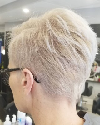 Pixie for the season!!! Done by @yelena_stylist  #bloorwestvillage #d2ehairboutique #torontostylist #torontolife #besthairstylist #mastercolorist #hairstylist #hairstyle #haircut #generations #schwarzkopfcan #ecofriendly #veganlife #veganhaircare #sustainable #organic #consciousbeauty #salonlife #hairgoals #hairtrends #coloring #hustler #pixie #blondelife #softblonde #shorthairstyle #shorthairdontcare #shortcuts #loveit❤️
