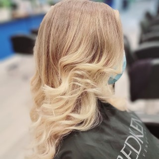 Seamless beauty, done by our stylist Yelena.  . . . . . #d2e #d2ehairboutique #bloorwestvillagebia #blondebabe #babylights #balayage #beautiful #bestoftheday #bestofbalayage #hairoftheday #hairartist #hairporn #hairsalon #hairmagic #haircut #hairstyle #hairstylist #seamless #covidhair #Covid19 #veganhaircare #ecofriendly #consciousbeauty #sustainable #sexy #hottie